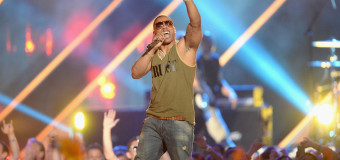 Nelly Performs At The 2013 CMT Music Awards