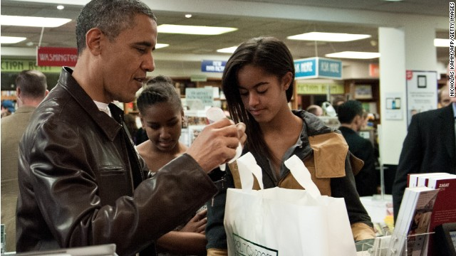 131130140411-obama-bookstore-story-top