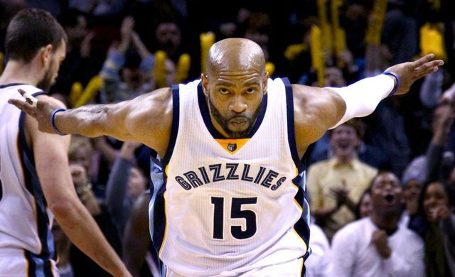 watch 8c35b 68450 Happy 39th Birthday To Memphis Grizzlies' Vince Carter