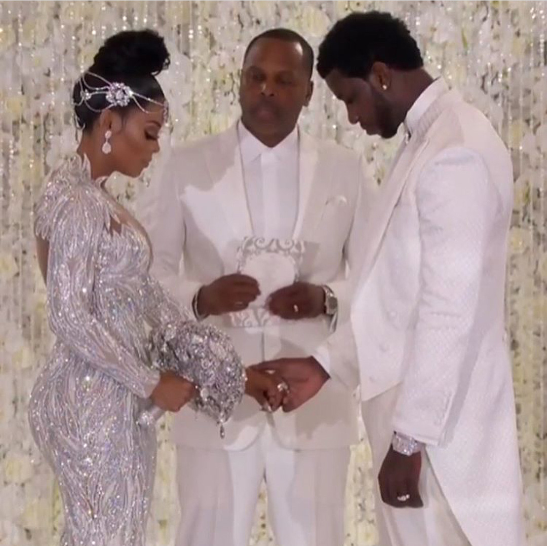 Td Jakes Daughters Wedding.Pics Pastor T D Jakes Son Law Toure Roberts Officiates